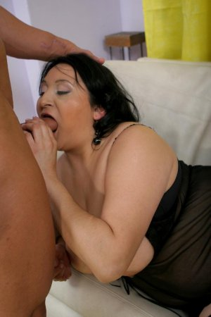 Assanatou annonces coquines pute dirty talk Revel 31
